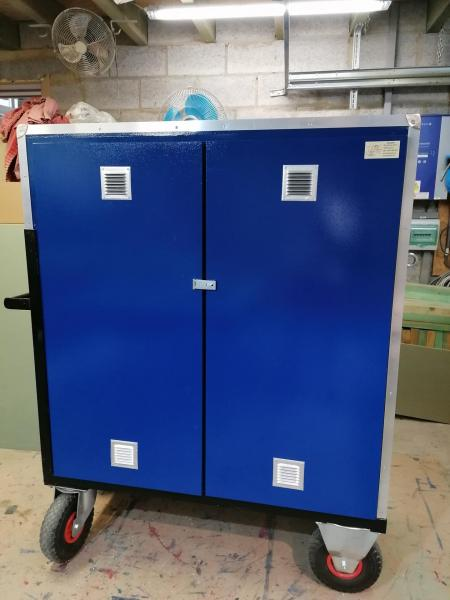 Ridingbox armoire concours bleu 1